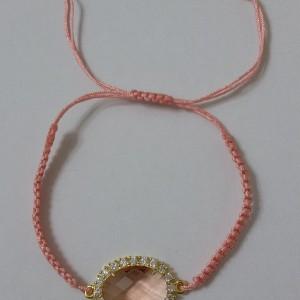 Βραχιόλι ροζ κρύσταλλο δεμένο με λευκά διάφανα κρυσταλλάκια σε ροζ κορδόνι-ΒΜΠ002-15ευρώ