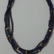 Κολιέ μπλε κρύσταλλο δεμένο με 4 σειρές κρύσταλλα ίδιου χρώματος και χρυσά στοιχεία-27cm-ΚΜΠ006-35ευρώ