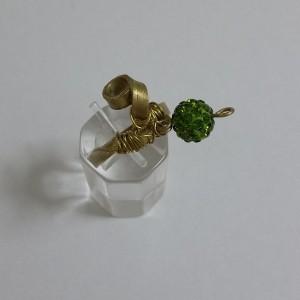 ΔΜΠ004-Δαχτυλίδι χειροποίητο από ορείχαλκο με πράσινο swarovski-14ευρώ