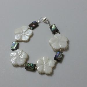 ΒΜΠ049-Βραχιόλι με λουλούδια από φίλντισι άσπρο και μαργαριτάρι όστρακο -16 ευρώ