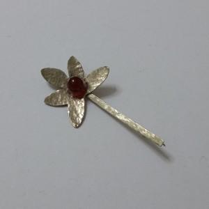 ΦΜΠ001-Καρφίτσα χειροποίητη από αρζαντο και πέτρα αχάτη-15ευρώ
