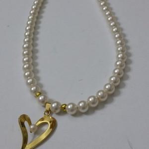 ΚΜΠ094-Κολιέ με πέρλες και επίχρυση κρεμαστή καρδιά-15ευρώ