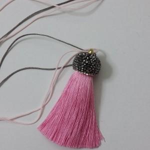 ΚΜΠ132-Κολιέ με μεταξωτή φούντα ροζ και μαρκασίτη-25ευρώ