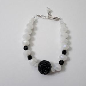 ΒΜΠ091 - Βραχιόλι με κρύσταλλα άσπρα μαύρα και κοράλλι μαύρο -10 ευρώ