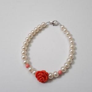 ΒΜΠ092 - Βραχιόλι με πέρλες και κοραλλί τριαντάφυλλο -8 ευρώ