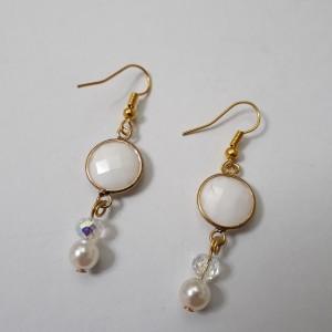 ΣΜΠ031 - Σκουλαρίκια από άσπρο όνυχα επιχρυσωμένο - 12 ευρώ