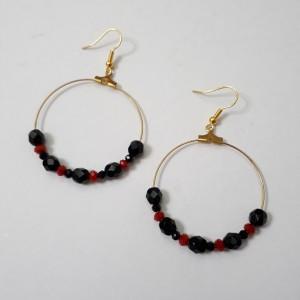 ΣΜΠ033 - Σκουλαρίκια κρίκοι με κρύσταλλα κόκκινα μαύρα - 8 ευρώ d4a11fead6e