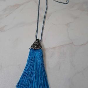 ΚΜΠ196-Κολιέ μακρί με αλυσίδες και μακριά φούντα γαλάζια με μαρκασίτη-35 ευρώ